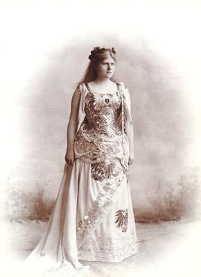 Luise Kiesselbach als Germania 1890