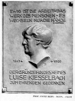 Gedenkplakette für Luise Kiesselbach 1930